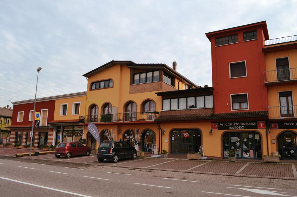 Complesso Via Mantova